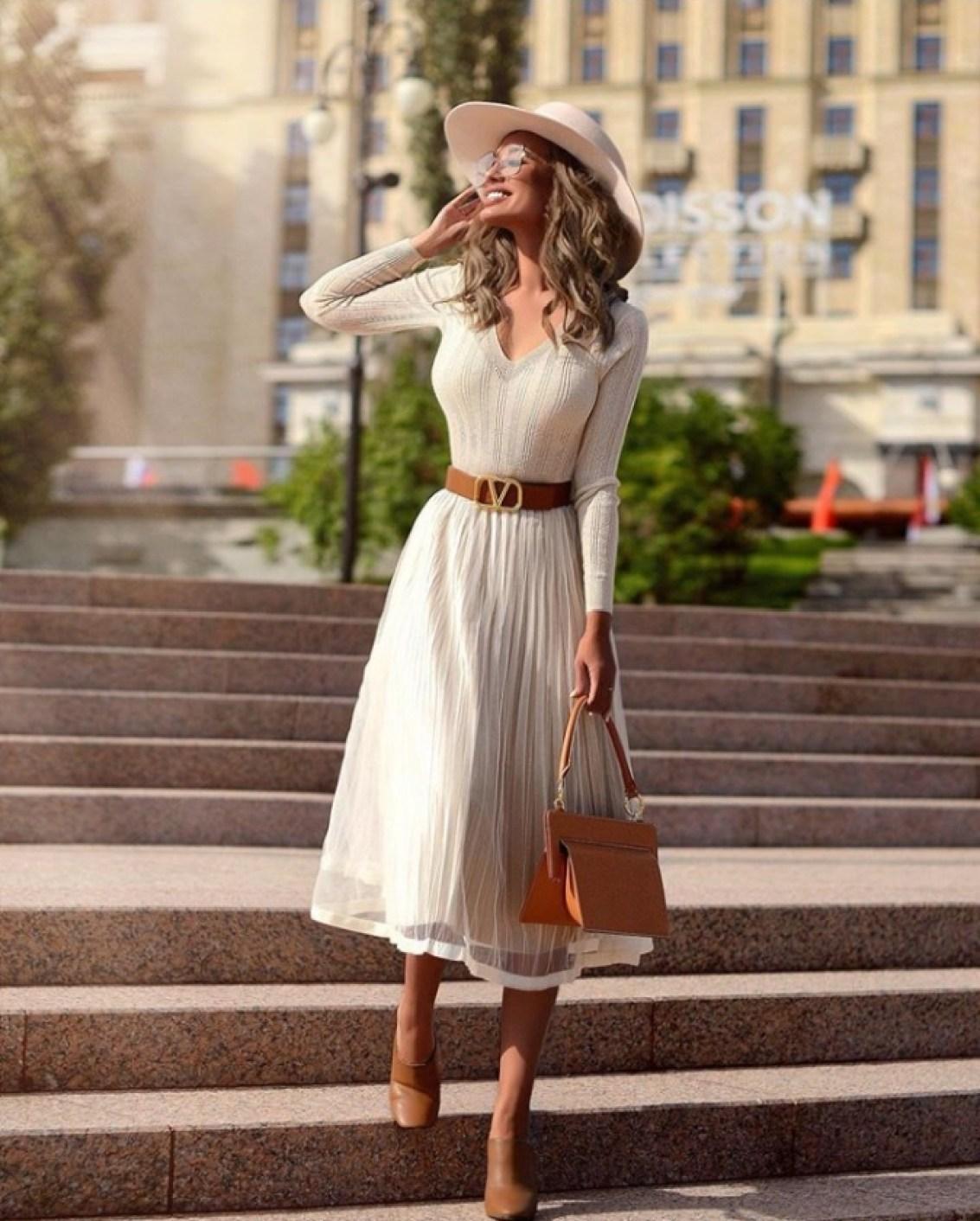 How to Style Vintage Dresses & Look Elegant
