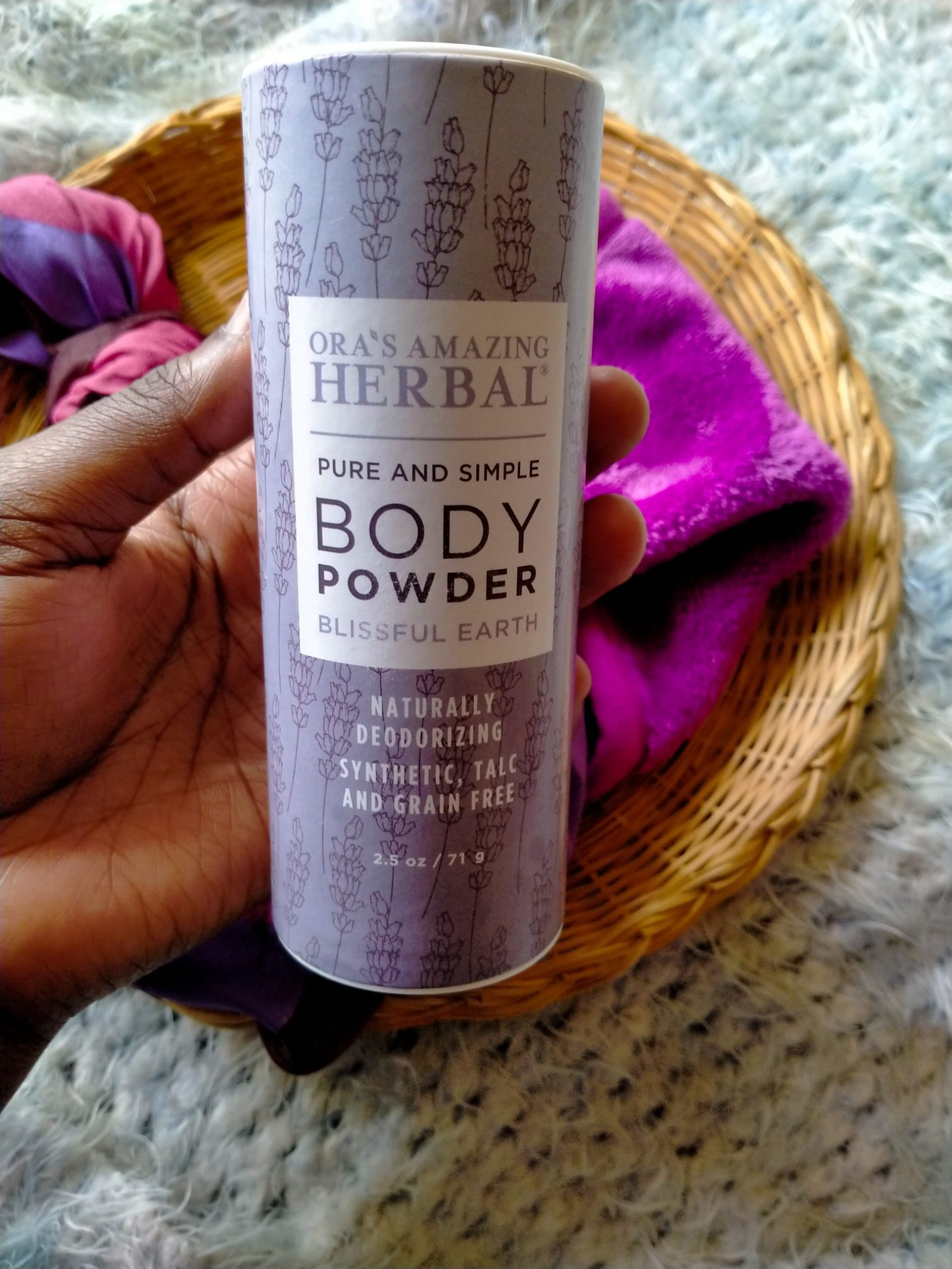 How To Use Body Powder- Ora's Herbal Blissful Earth Body Powder Review