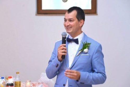 ceremóniamester-műsorvezető