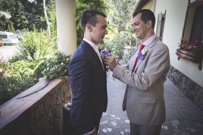 Esküvői kitűző procedúra a Camelotban
