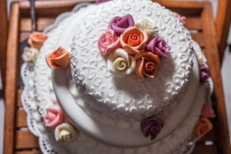 eskuvoi-torta-derulato