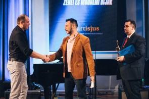Az év könnyűzeneszerzői díját idén egy szerzőpáros kapta: Romhányi Áron és Pély Barna.
