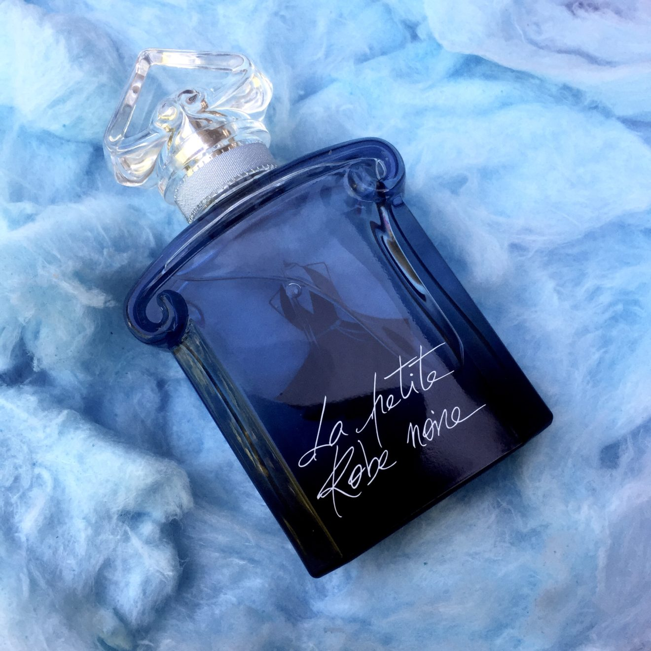 Guerlain perfume la petite robe noire review