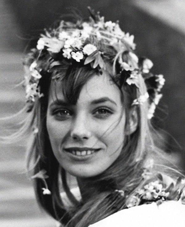 floral-wedding-hair-jane-birkin
