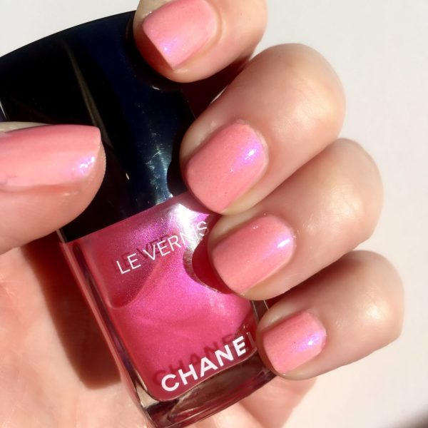 CHANEL Le Vernis Pink Rubber with 2 coats of Hyperrose Glass