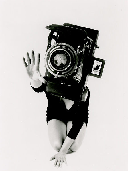 Lynn Hershman Leeson, Phantom Limb, Reach. B/w photograph, 101.6 x 76.2 cm. 1986.
