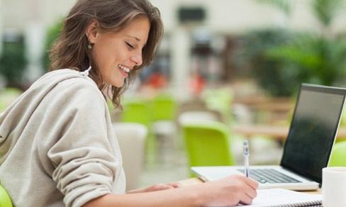 Training menulis artikel