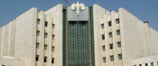 قرار يلزم المواطنين بارتداء الكمامات في وزارة العدل ودوائرها
