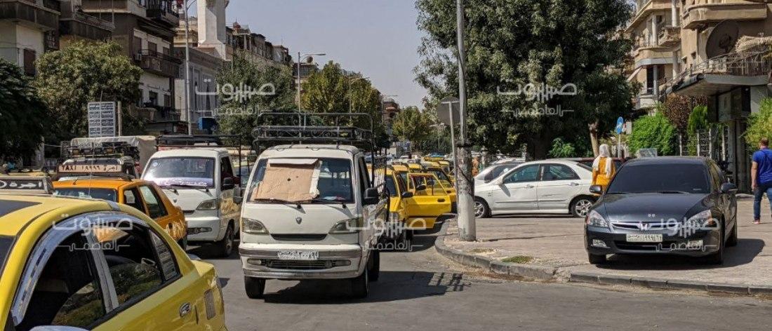 """وزارة النفط تعلن عن آلية """"مؤقتة"""" لتوزيع البنزين"""
