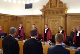 ينتمون لليمين المتطرف.. حكم قضائي على 5 ألمان حرّضوا ضدّ اللاجئين السوريين