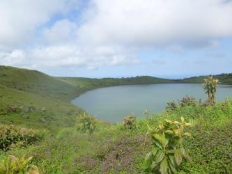 El Junco Lago Galapagos