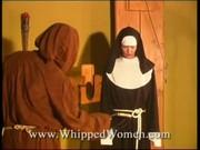 Inkvizitor vyšlehává ďábla z těl řádových sester