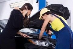 Řidička si s automechaničkou skvěle rozumí