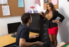 Madison Ivy: Konzulatace s učitelkou (HD porno)
