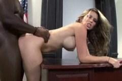 Černý penis v americké kundičce Courtney Cummz