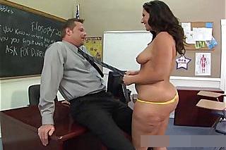 Baculatá studentka opíchaná ženatým profesorem! (Vanessa Blake)
