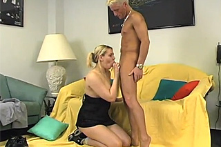Když manžel není doma, aneb šukej mě tvrdě!
