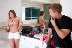 Mladík vyšuká sestřinu kámošku Amy Brooke