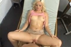 Pornokalendář DP (Lukáš 18.10) – Pacientka Alexis Texas šoustá v ordinaci