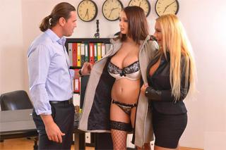 Sexuální školení nové sekretářky! (Lucie Wilde a Kyra Hot)