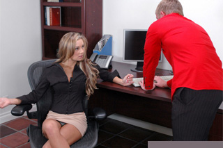 Ajťák osouloží dceru majitele firmy! (Jack Venice a Amy Ried)