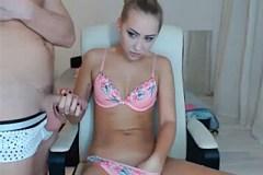 Luxusní blondýnka Atila souloží s přítelem před webkamerou