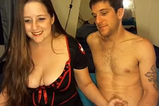 Prsatá zdravotní sestra sexuálně dovádí před webkamerou!