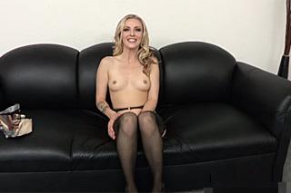 Karla Kush na brutálním castingu – squirt porno