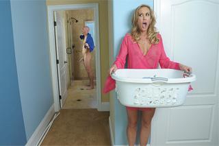 Pornokalendář DV 27.11 – Sexuální fantazie rozvedené dámy Xenie
