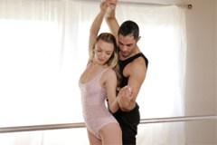 Pornokalendář DV 15.7 – Baleťák Jindřich šoustá se svou taneční partnerkou