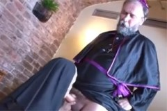 Český kněz souloží s jeptiškou
