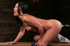 Americká pornostar Kristina Rose a masturbační mašina!