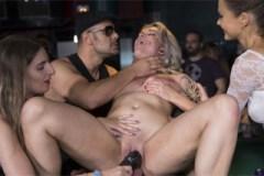 Sexuální otrokyně Yunno X řádí na veřejnosti! – BDSM porno