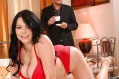 Vnadná Shione Cooper šuká v hotelovém pokoji se ženatým milencem!