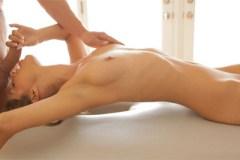 Sexy dvacítka Presley Hart na masáži!