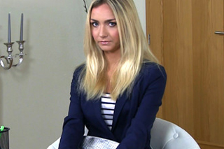 FakeAgent a sladká blondýnka Victoria Puppy – české porno
