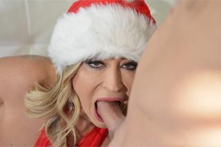 Předvánoční nadílka, aneb Claudia Valentine opíchaná Santa Clausem
