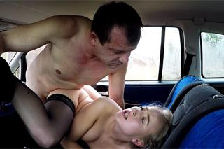 Oblíbený řidič se pobaví s další prostitutkou – české porno