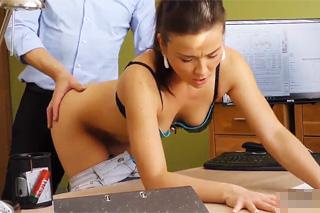 Sex kvůli půjčce – české porno