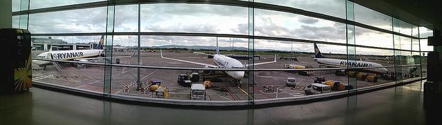 Tim Sheerman-Chase/Dublin Airport, near Gate 107/Flickr