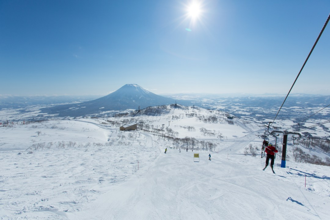 Niseko: The Japanese Ski Destination That Should Be On Everyone's Bucket List