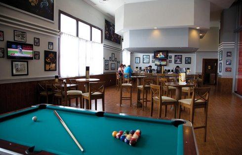 bar-sport-riu-palace-aruba_tcm55-228479