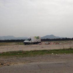 I iz prodavnice zdrave hrane istovaraju smeće na Ćemovskom