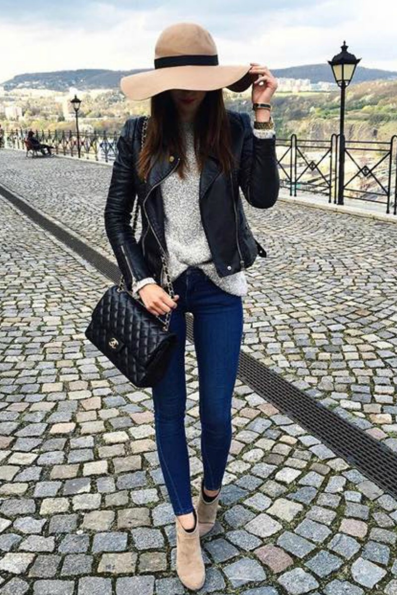 fall-winter-outfit-ideas-casual-fedora-taupe-ankle-boots-fedora-black-leather-jacket