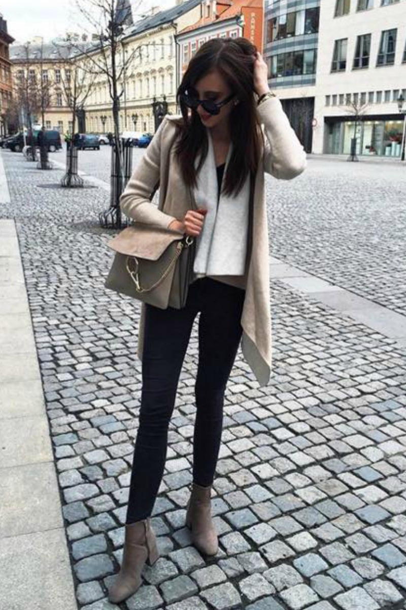 fall-winter-outfit-ideas-casual-taupe-ankle-boots