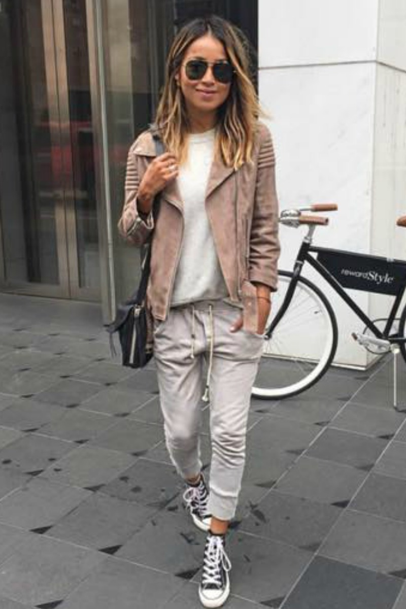 sincerely-jules-fall-outfit-casual-streetstyle-converse-sneakers-gray-sweats-suede-motocycle-jacket
