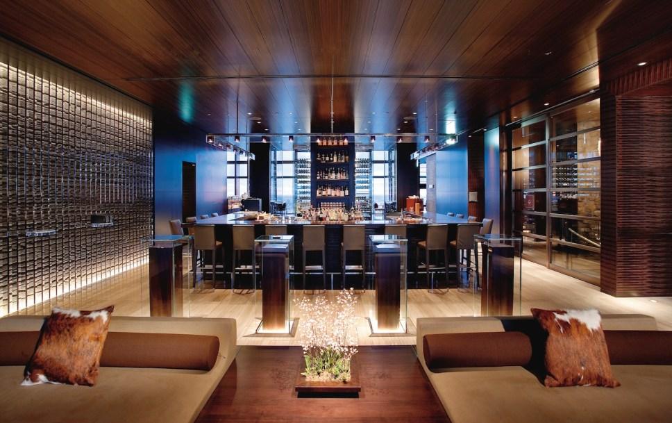 MandarinOriental_Tokyo_Bar_JustLuxe_Damon-M-Banks