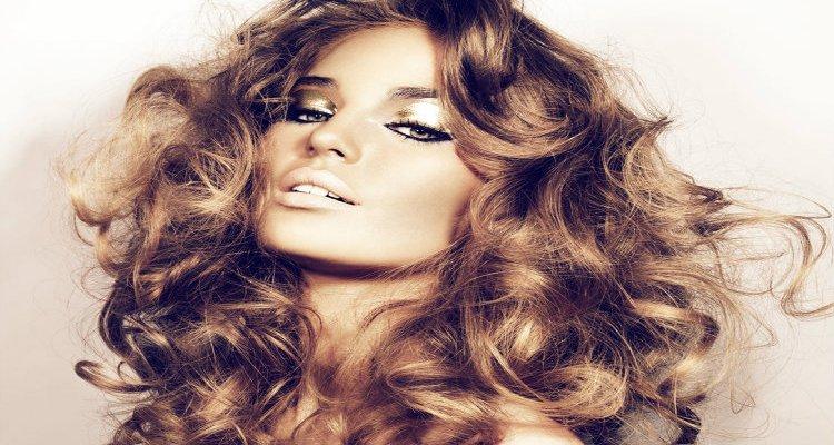Топ 5 на най-добрите домашни маски за красива коса