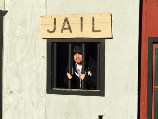 Too much pie + too much wine = JAIL!