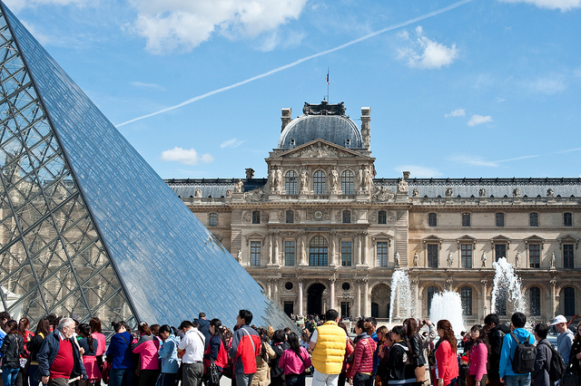 Queue outside the Louvre
